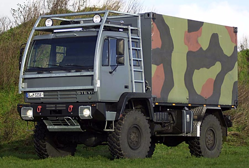 Steyr12m18_Expeditionswohnmobil001.jpg