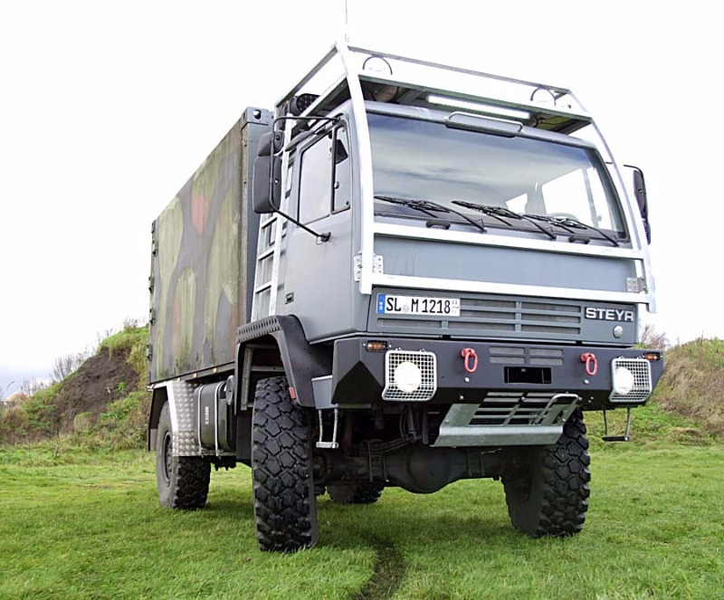 Steyr12m18_Expeditionswohnmobil002.jpg